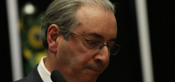 Eduardo Cunha está sofrendo pressão, segundo seus advogados