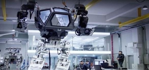 Máquina com mais de 1 tonelada é capaz de esmagar uma pessoa (Vitaly Bulgarov/ Facebook)