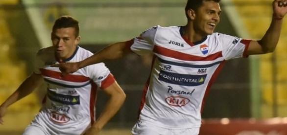 São Paulo tenta a contratação do meia-atacante paraguaio Cristian Colmán (Foto: Arsenio Acuña, ABC Color)