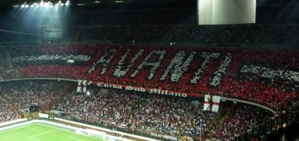 AC Milan vs Crotone [image: upload.wikimedia.org]