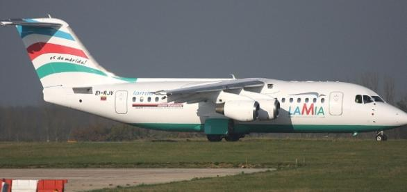 EI-RJV LAMIA British Aerospace Avro RJ85 Photo by Steven Mills ... - planespotters.net