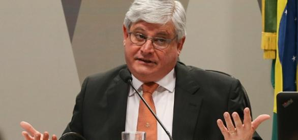 Janot não concorda com o proceder das mudanças ocorridas na lei
