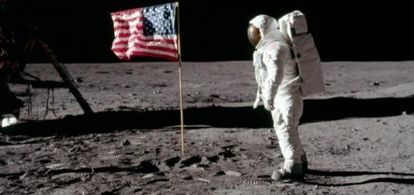 Todavía hace falta decir que el ser humano llegó a la Luna
