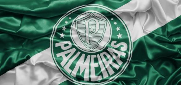 Bandeira do Palmeiras, atual Campeão Brasileiro