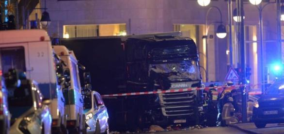 Berlin nach dem Attentat. Schlimme Bilder. (Fotoverantw./URG Suisse: Blasting.News Archiv)