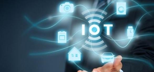 Internet das coisas: a nova interface homem-máquina promete revolucionar o mundo. FONTE: <http://idgnow.com.br/internet/>