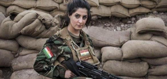 Joanna Palani, luptătoarea de origine kurdă care riscă închisoarea în Danemarca deși a luptat împotriva ISIS - Foto: The Independent