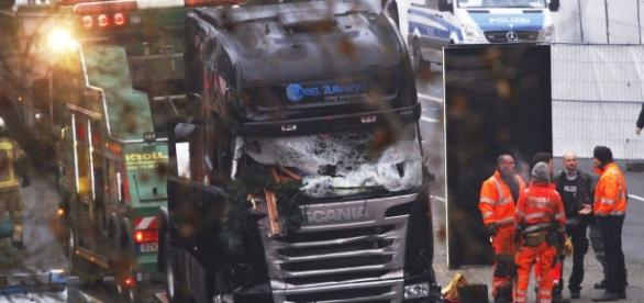 LIVE: ISIS claim responsibility for Berlin 'terror attack' which ... - irishmirror.ie