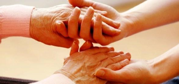 Os cuidadores de pessoas dependentes, gesto de amor Imagem de divulgação