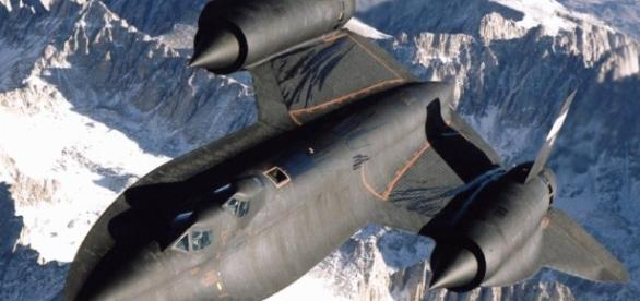 Senior Crown : SR-71 Blackbird - globalsecurity.org