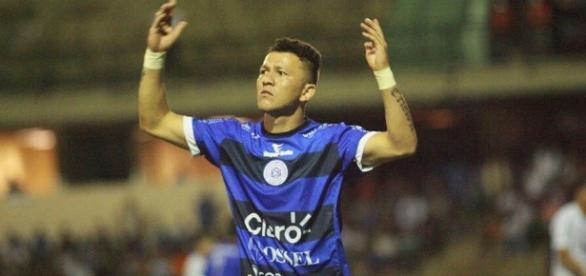 Antes de ir para o Goiás, Rossi jogou o Paulistão pelo São Bento de Sorocaba