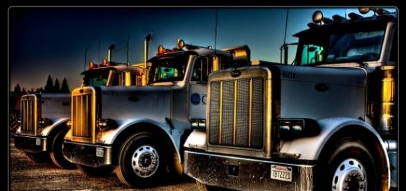 Big rigs courtesy Mark Brooks, Flickr.com creative commons
