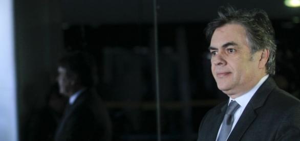 Cássio Cunha Lima sugere um novo nome para a Presidência do Brasil
