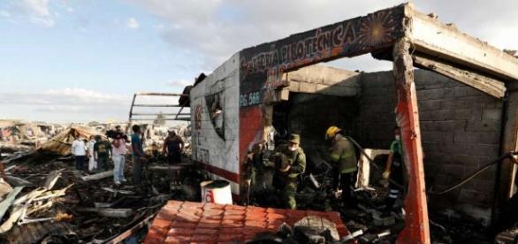 LO ÚLTIMO: Confirman 26 muertos en explosión de mercado - Huron ... - michigansthumb.com