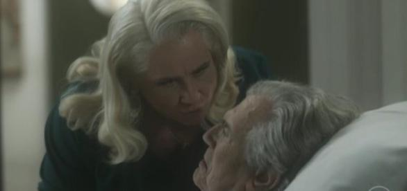 Mág é desmascarada por Fausto em 'A Lei do Amor'