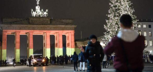 Sollte das Brandenburger Tor für Lukasz U. auch in den Farben Polens leuchten? (Fotoverantw./URG Suisse: Blasting.News Archiv)