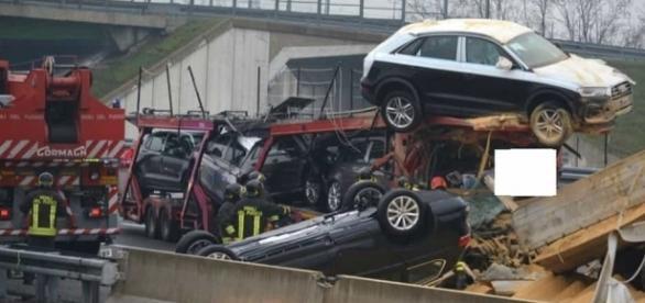 VIDEO: ACCIDENT cu patru TIR-uri pe AUTOSTRADĂ în ITALIA. Un ROMÂN de 24 de ani A MURIT
