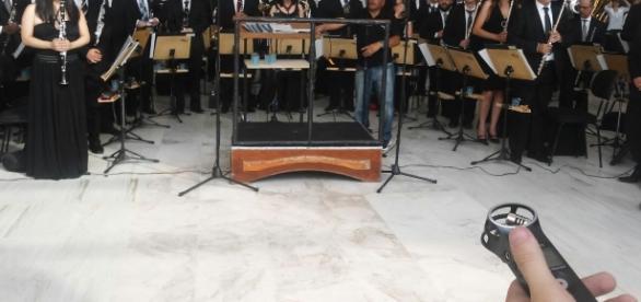 Banda Sinfônica durante concerto natalino: lágrimas e esperança com a aprovação de emenda que destina orçamento de R$ 5 milhões ao grupo