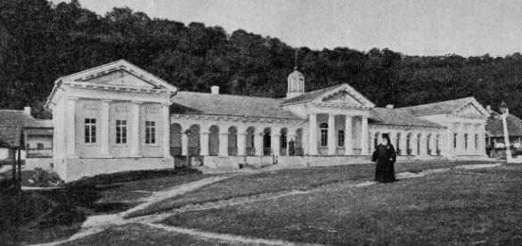 Biserici şi mănăstiri în Basarabia Ţaristă