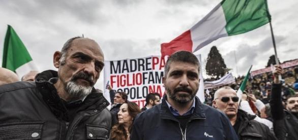 Di Stefano durante una manifestazione a Roma.