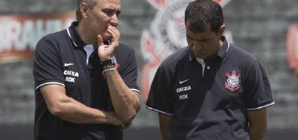 Ex-auxiliar técnico de Tite Fábio Carille (à direita) é efetivado no timão.