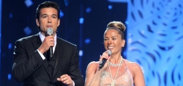 Marone apresentou o Miss Brasil 2012 ao lado de Adriane Galisteu (foto: Band/divulgação)