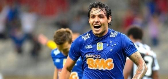 Ricardo Goulart em atuação pelo Cruzeiro