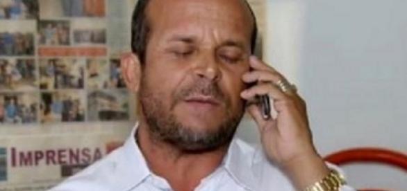 Vidente Carlinhos prevê morte de celebridade em 2017.