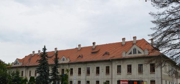 File:Colegiul Național Eudoxiu Hurmuzachi, Rădăuți