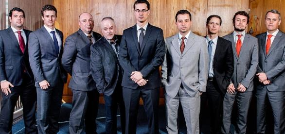 Procuradores do MPF, integrantes da Operação Lava-Jato, apuram o maior escândalo de corrupção de que se tem notícia na história do país