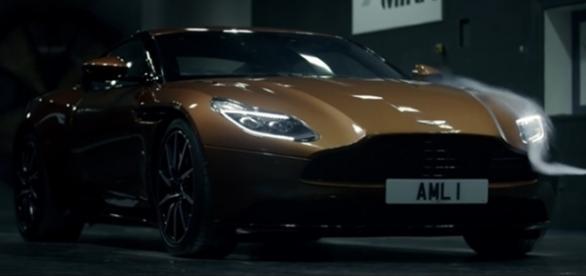 Cada detalhe do design do Aston Martin DB11 foi pensado para aumentar o desempenho e dirigibilidade