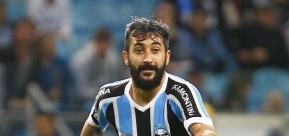 Douglas deve permanecer no Grêmio (Foto: Divulgação)