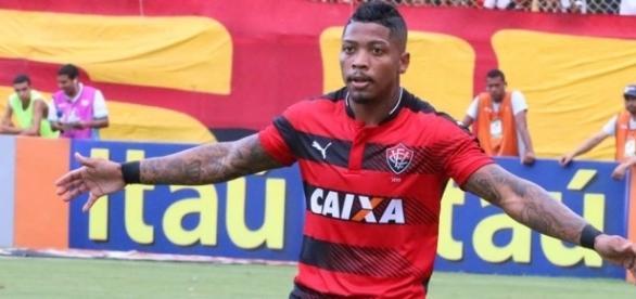 Marinho, centroavante do Vitória, da Bahia