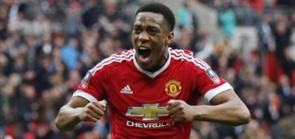 Anthony Martial scores injury-time winner to send Manchester ... - eurosport.com