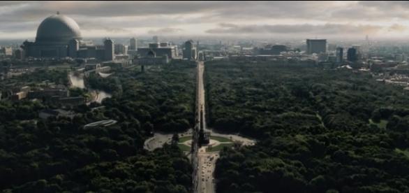 DDR-Fernsehturm gephotoshopt, warum nicht auch Merkels Waschmaschine? (Screenshot von Carl Kralle aus Folge 1, The Man in the High Castle - Staffel 2)