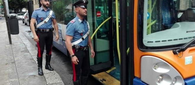 Autista del bus massacrato con testate e pugni per aver chiesto il biglietto