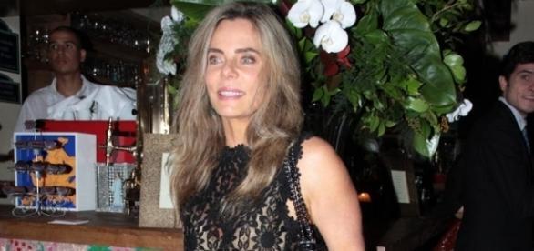 Bruna Lombardi atua ao lado do marido e do filho