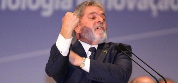Ex-presidente Lula ameaça desistir de sua candidatura para presidente em 2018