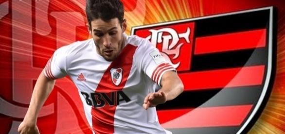 Jogador uruguaio está na mira do Flamengo (Arte: Matheus Martins Fontes/Torcedores.com)