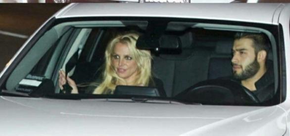 Britney e Sam Asghari fotografados hoje, 28/12.