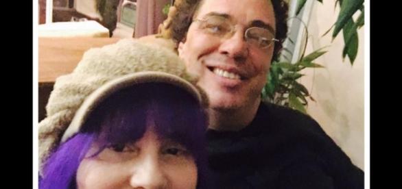 Casa Grande e Baby do Brasil estão juntos há mais de 4 meses, mas só agora resolveram assumir o namoro