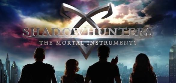 Shadowhunters está em sua segunda temporada