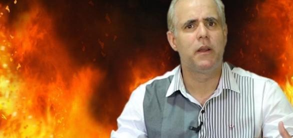 O pastor Cláudio está preocupado com os compartilhamentos feitos por evangélicos do conteúdo da médium vidente