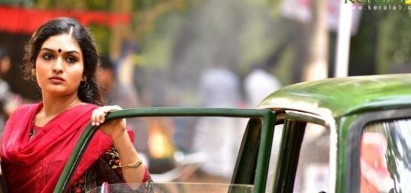 Ore mukham malayalam movie gayathri suresh stills 54060 - kerala9.com