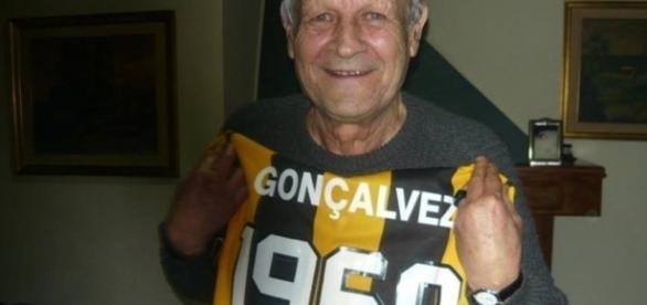 Ex-jogador tinha 80 anos e estava internado há uma semana