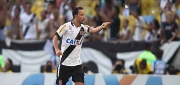 Nenê pode trocar Vasco pelo Corinthians em 2017 (Foto: Coluna do Flamengo)