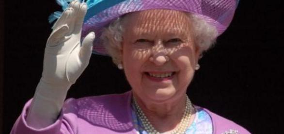 Palácio fala sobre suposta morte da rainha - Google