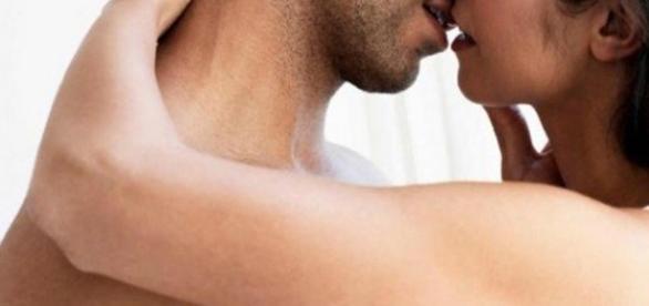 Beijo de língua traz alguns benefícios para nossa saúde.