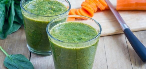 Carottes et épinards pour préparer les jus de légumes - vitaality.fr
