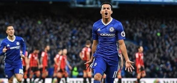 O Chelsea começa 2017 na liderança do Campeonato Inglês.